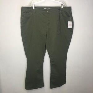 Diane Gilman women's size 24 PW. Army green.